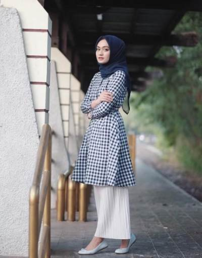 Tunik dengan Model Plum