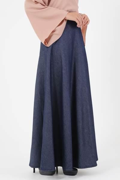 Model Rok Panjang yang Lagi Populer Ini Pasti Bikin Style Hijab Kamu Semakin Anggun