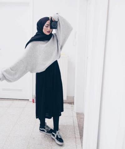Biar Nggak Salah Mix and Match, Ini Sepatu yang Cocok Dipasangkan dengan Rok untuk Hijabers