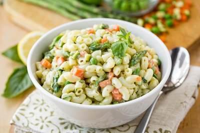 Anak dan Suami Makin Sehat dengan 4 Resep Salad Sayur Ini