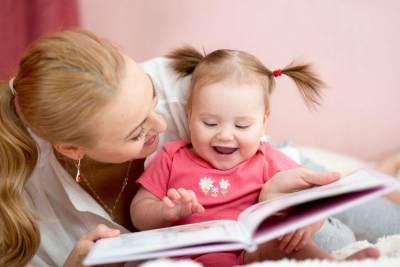 Mendidik Anak dengan Membacakan Buku, Apa Manfaatnya?