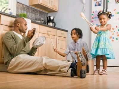 Moms, Ini Dia Cara Memanfaatkan Ruang dan Taman Rumah untuk Sarana Belajar Anak