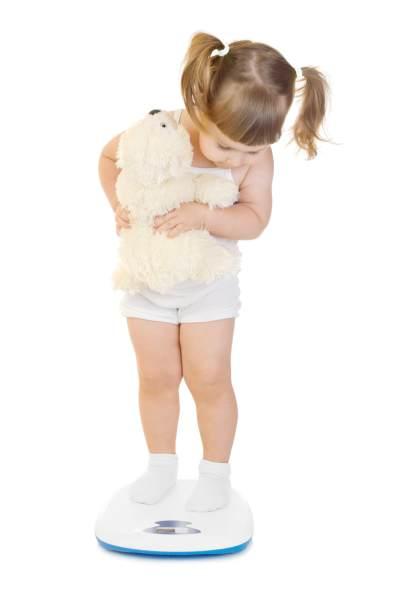 Pastikan Tumbuh Kembang Si Kecil Optimal dengan Rumus Menghitung Berat Badan Bayi Ideal Ini