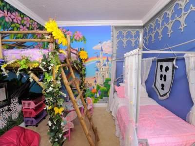 Inspirasi Interior Kamar Tidur Merangkap Arena Bermain untuk Anak