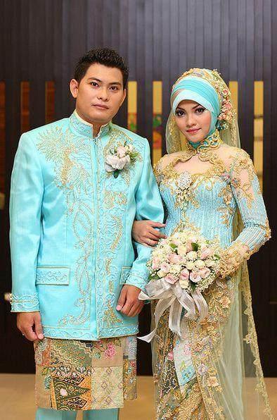 Kebaya Muslim Couple Warna Pastel Bikin Tampil Manis
