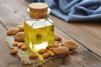 1. Minyak Almond