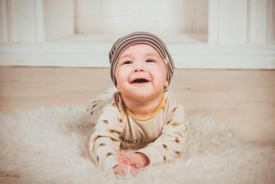 Perkembangan Bayi Usia 4-6 Bulan