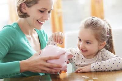 Yuk Biasakan Anak untuk Berhemat! Ini 4 Cara Melatih Anak Menabung Sejak Dini