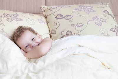 Bagaimana Memilih Kamar Hotel saat Traveling dengan Bayi?