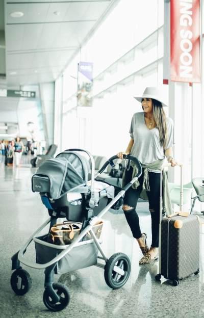 Tak Perlu Pusing Traveling ke Luar Negeri Bersama Bayi, Ini Tipsnya!