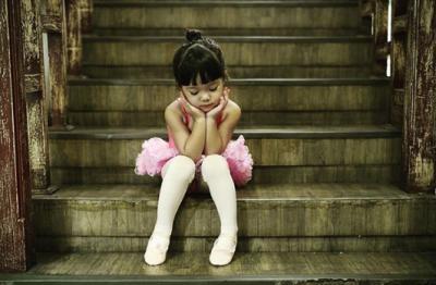 8. Baru-baru ini Gempi ikut latihan balet. Sepertinya kalau ditekuni, Gempi bisa jadi balerina terkenal nih!