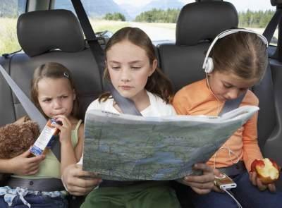 Ide Permainan Seru Agar Anak Tak Rewel Saat Traveling
