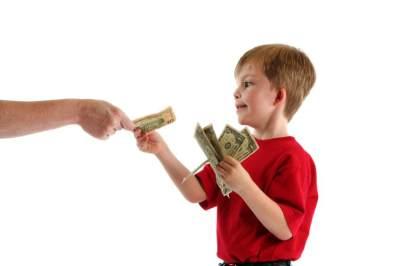 Memberikan Uang Saku untuk Anak, Sebaiknya Berapa, Ya?
