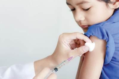 4. Anak Laki-Laki Perlu Mendapatkan Vaksin HPV