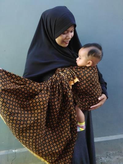 Wajib Tahu! Ini Kebiasaan Orang Tua di Indonesia yang Dianggap Unik Orang Asing