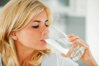 2. Minum Air Putih
