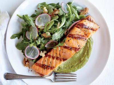 Yummy! Resep Salmon Saus Alpukat Ini Wajib Banget Moms Coba untuk Makan Sehat Si Kecil
