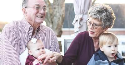 Tips Menghadapi Perbedaan Pandangan Pola Asuh Anak dengan Orang Tua