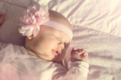 Bikin Gemas, Ini Tahap Perkembangan Bayi Usia 1-3 Bulan