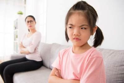 Memasuki Tahap Perkembangan Emosi Anak, Ini Tips Mendidik Si Kecil Meredam Ego dan Emosinya