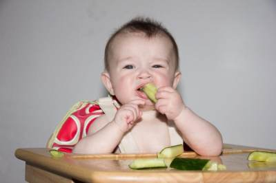 Ini 5 Jenis Makanan untuk Bayi yang Baru Tumbuh Gigi