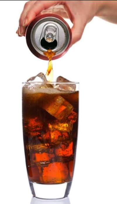 Stop, Ini yang Terjadi Jika Tubuh Kita Mengonsumsi Terlalu Banyak Minuman Bersoda