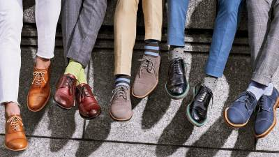 Moms, Ketahui Berbagai Jenis Bahan Sepatu dan Cara Merawatnya