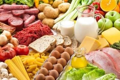 1. Mengonsumsi Makanan Beragam