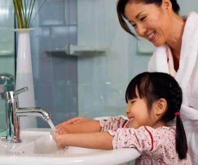 2. Membiasakan Perilaku Hidup Bersih