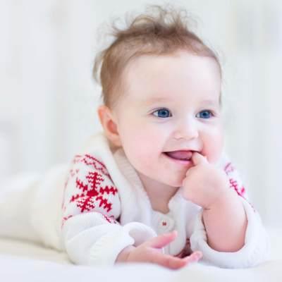 Moms, Kenali Tanda-tanda Gigi Bayi Mulai Tumbuh, Nomor 3 Sering Terjadi
