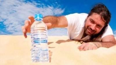 Alasan Mengapa Harus Minum Air Putih Sebelum Tidur