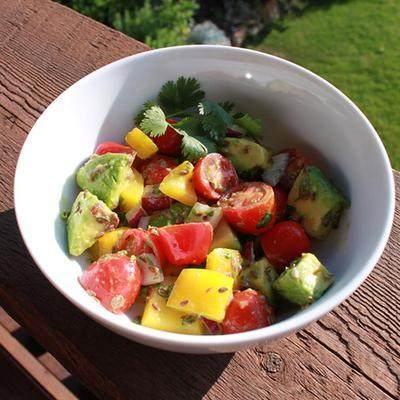 Tomato Avocado Salad (untuk 6 Porsi)