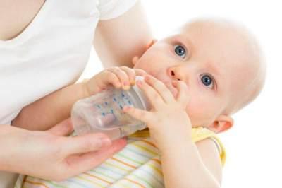Sebenarnya Berapa Kali Bayi Harus BAB? Ketahui Frekuensi BAB Normal Pada Bayi Ini, Moms!