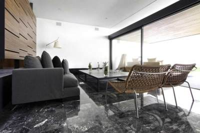 Mana yang Pas, Lantai Keramik atau Keramik Granit untuk Rumah? Berikut Pertimbangannya!