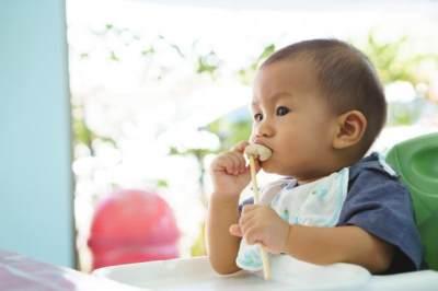 Kursi Makan untuk Bayi, Penting atau Nggak Ya?