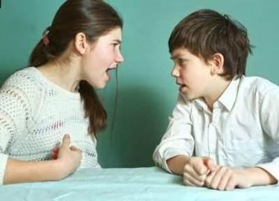Kenali Sibling Bullying, Penting Moms Ketahui!
