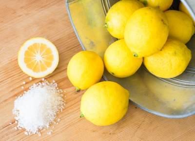 Ini Manfaat yang Bisa Didapat Dari Seiris Lemon dan Garam, Apa Saja Moms?