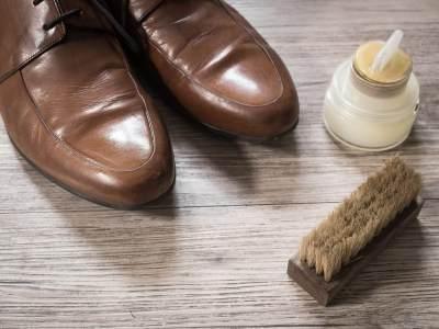 Cairan Pembersih Sepatu dan Lap Kering