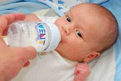 Hindari Memberikan Air Putih Saat Bayi dalam Masa ASI Eksklusif