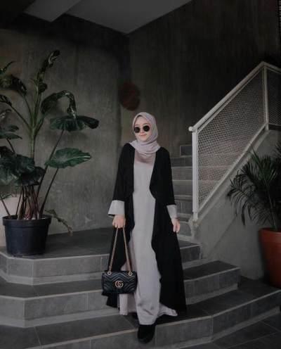 Pilihan Model Dress Kasual yang Bisa Dipakai Moms Hijabers untuk Ke Mall Tanpa Ribet