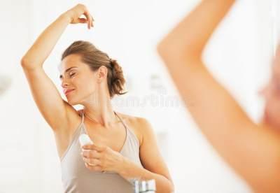 Pakai Deodorant di Malam Hari