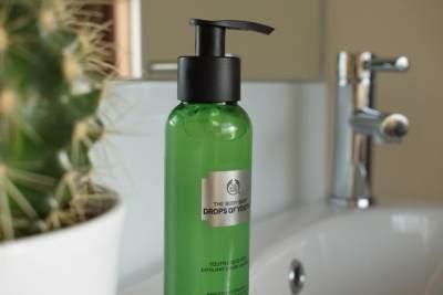 The Body Shop Liquid Peel, Gentle Exfoliator yang Cocok untuk Kulit Sensitif