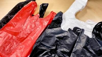 4. Kantong Plastik