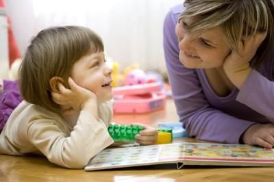 Moms! 5 Dasar Pola Asuh Anak Ini Wajib untuk Kamu Ketahui