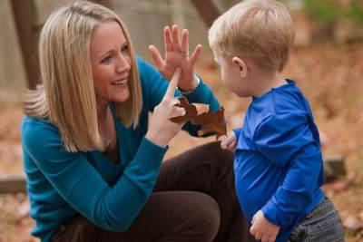 Duh! Ini Dia Daftar Kesalahan Ibu Millenial dalam Mengasuh Anak, Moms Melakukan Salah Satunya?