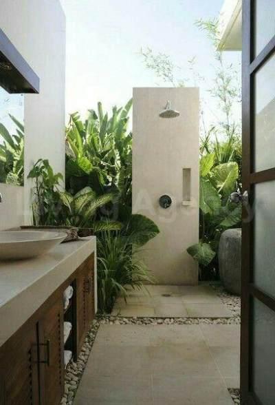 Unik! Ini Dia Inspirasi Mengubah Area Terbuka Rumah Menjadi Kamar Mandi Outdoor