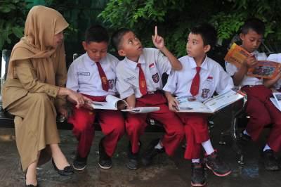 Bagaimana Mempersiapkan Si Kecil Masuk Sekolah Dasar?