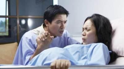 Luar Biasa! Berikut 4 Tahap Persalinan Normal yang Bikin Kita Terharu Lho Moms!