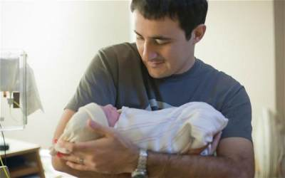 Alasan Mengapa Penting Mencuci Tangan Sebelum Memegang Bayi