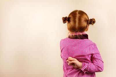 Moms, Begini Cara Menghadapi Anak yang Suka Berbohong